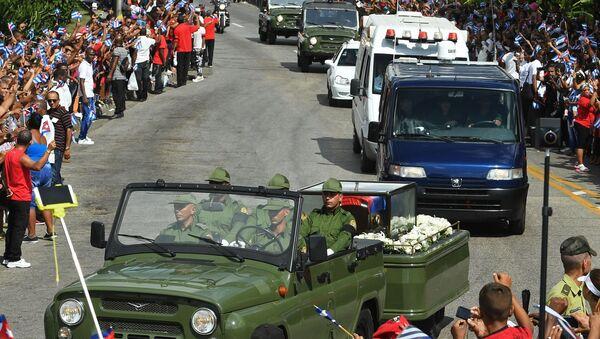 Smuteční procesí s pozůstatky Fidela Castra - Sputnik Česká republika
