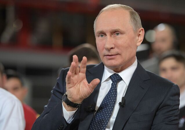Ruský prezident Vladimir Putin během návštěvy závodu Eterno