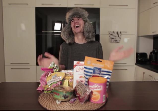 Ochutnávka ruských sladkostí s azbukou