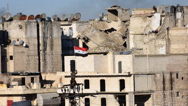 Syrská vlajka nad Aleppem - Sputnik Česká republika