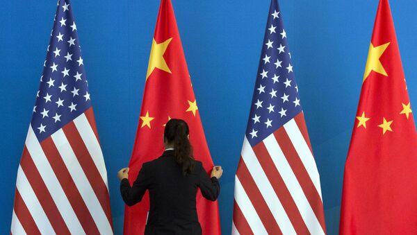 Americké a čínské vlajky - Sputnik Česká republika