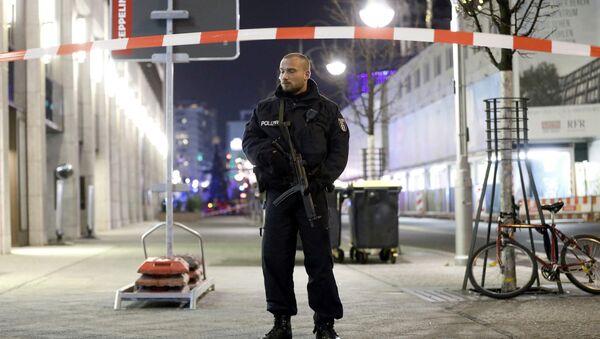Policista v Berlíně - Sputnik Česká republika