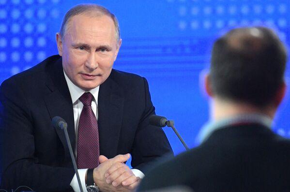 Velká tisková konference Putina - Sputnik Česká republika