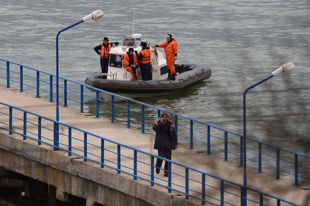 Záchranářské práce na místě Tu-154
