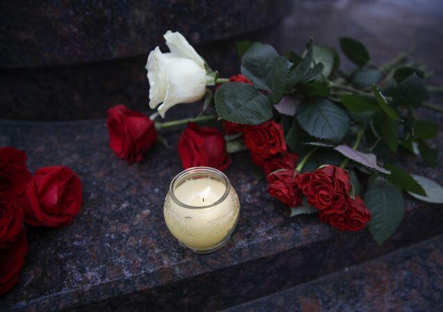 Květiny a svíce