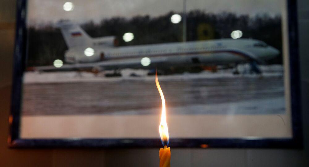 Svíce na památku obětí katastrofy Tu-154