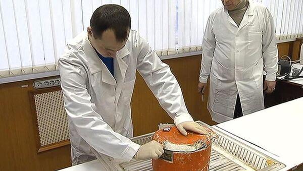 Černá skříňka Tu-154 v laboratoři - Sputnik Česká republika
