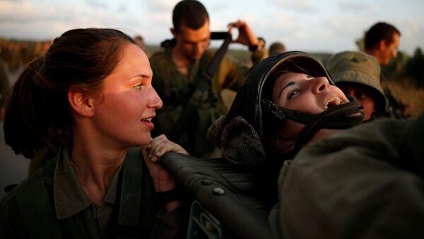 Izraelské dívky ve vojenské uniformě - Sputnik Česká republika