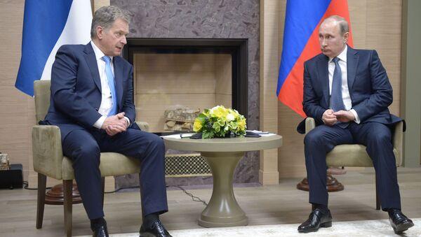 Sauli Niiniste a Vladimir Putin - Sputnik Česká republika