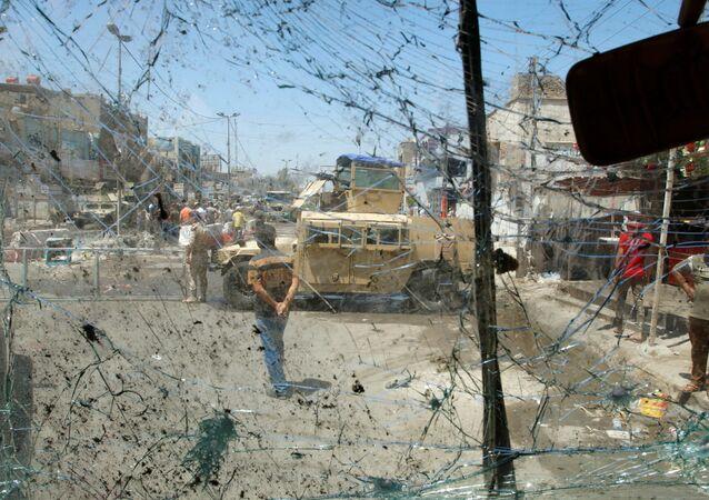 Na místě výbuchu v Bagdádě