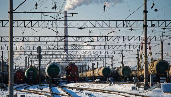 Cisterny s ropou - Sputnik Česká republika