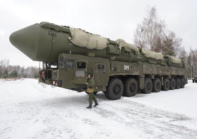 Ruská mezikontinentální balistická raketa Jars