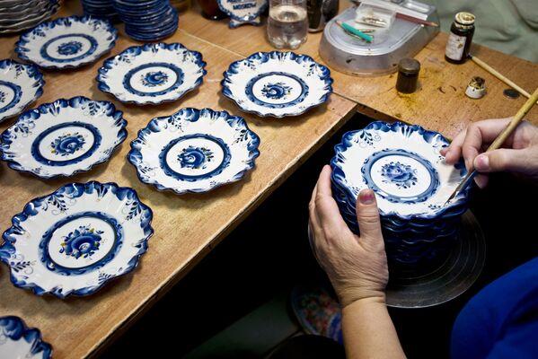 Jak se vyrábí gželský porcelán - Sputnik Česká republika