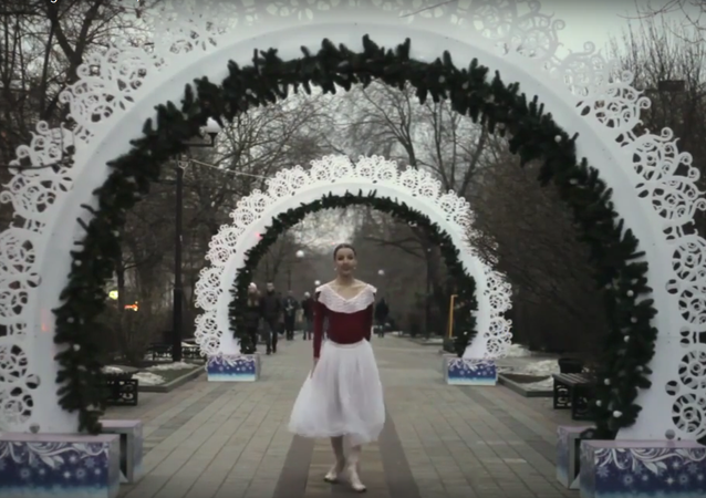 V Rostově na Donu baletka tančila za mrazivého počasí