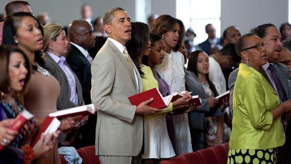 Obama s manželkou a dcerami v kostele - Sputnik Česká republika