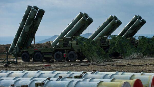 Raketový komplet S-400 - Sputnik Česká republika