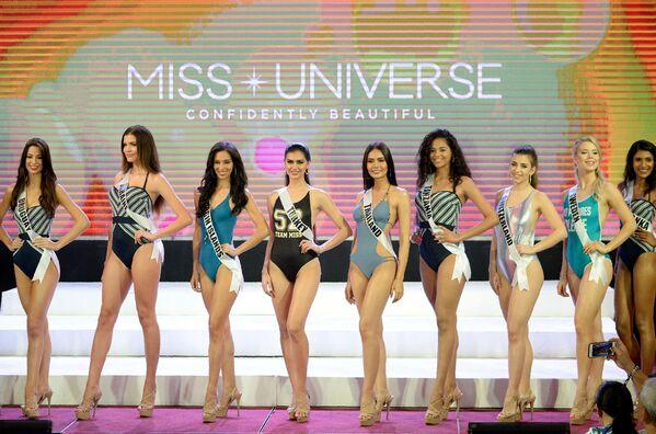 Promenáda v plavkách účastnic Miss Universe - Sputnik Česká republika