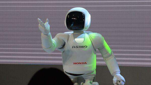 Robot Asimo společnosti Honda - Sputnik Česká republika