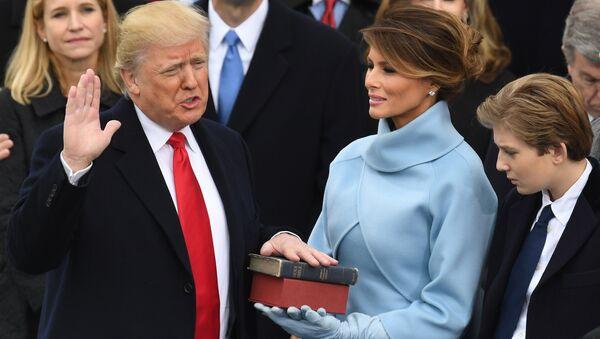 Donald Trump během inaugurace - Sputnik Česká republika
