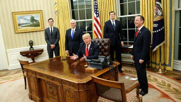 Donald Trump v Bílém domě - Sputnik Česká republika