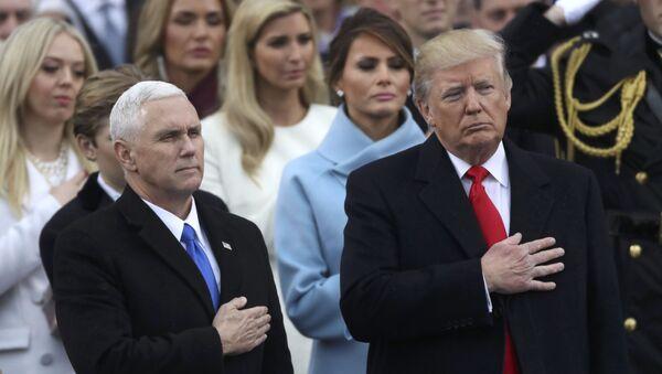 Prezident USA Donald Trump a viceprezident USA Mike Pence - Sputnik Česká republika