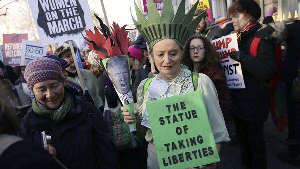 Ženská demonstrace v Londyně - Sputnik Česká republika