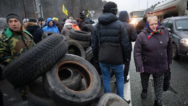 Blokováním vjezdů do Kyjeva - Sputnik Česká republika