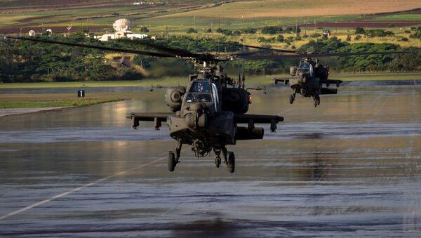 Americký vrtullník AH-64 Apache - Sputnik Česká republika