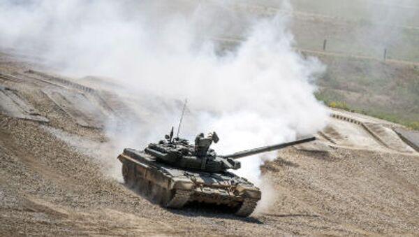 V rámci části, kde bude předváděna pozemní technika, budou předvedeny tanky, bojová vozidla pěchoty, obrněné transportéry, robotizovaná technika a další technika. - Sputnik Česká republika