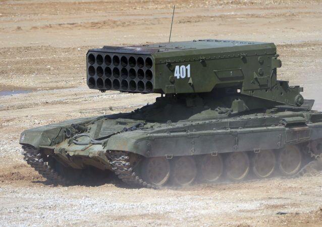 Těžký raketomet TOS-1A Solncepjok.