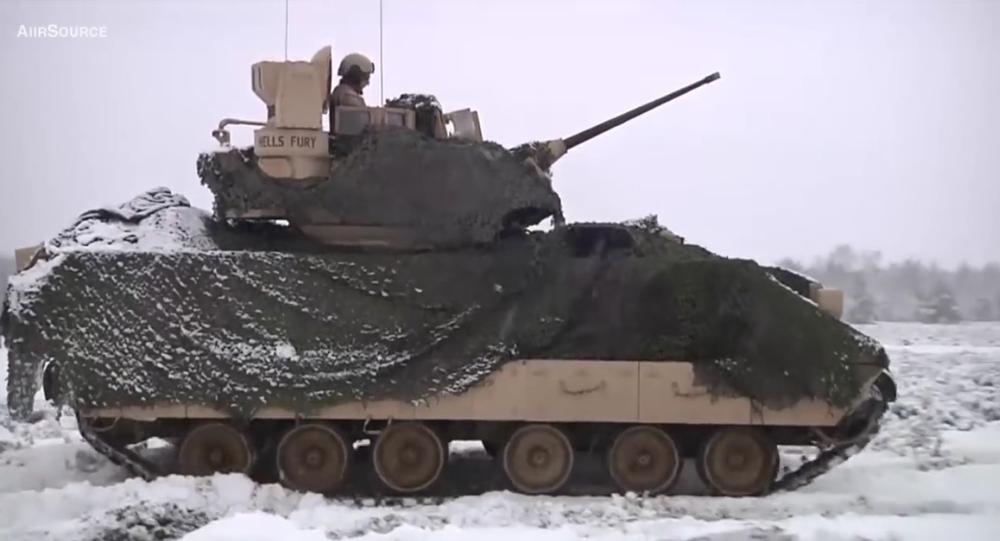 Americká armáda publikovala video střeleb amerických tanků v Polsku