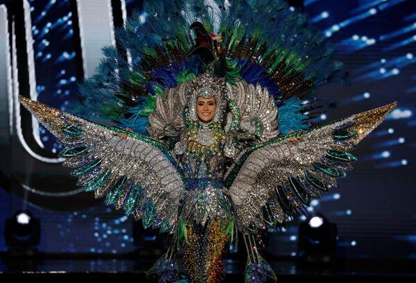 Účastnice soutěže Miss Universe v národních krojích - Sputnik Česká republika