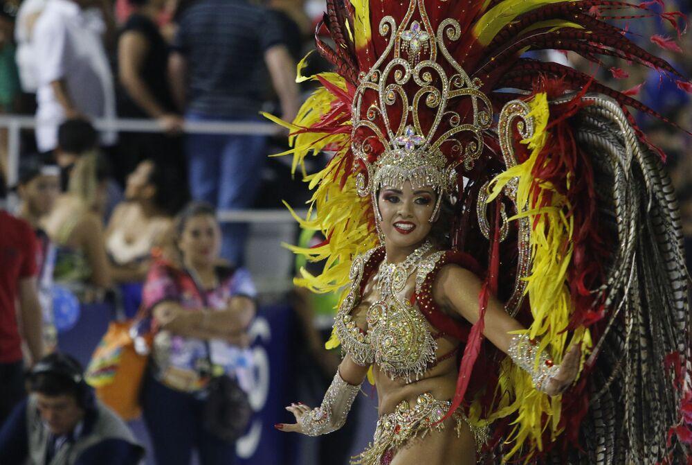 """Sambodrom"" postavený v centru města ke karnevalu má kapacitu 12 tisíc lidí"