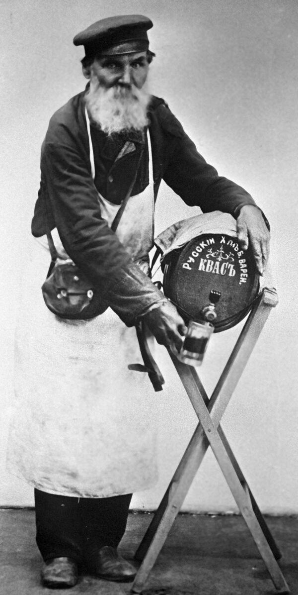 Moskevský prodavač kvasu, rok 1913 - Sputnik Česká republika