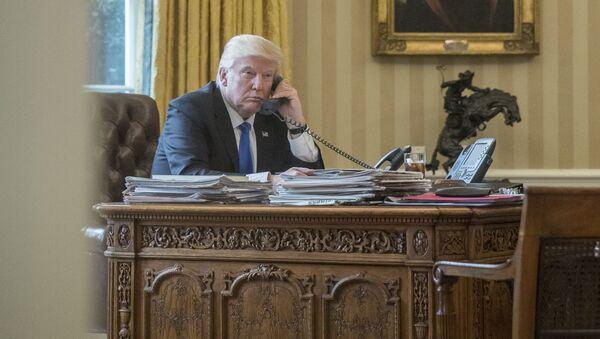 Donald Trump během rozhovoru - Sputnik Česká republika