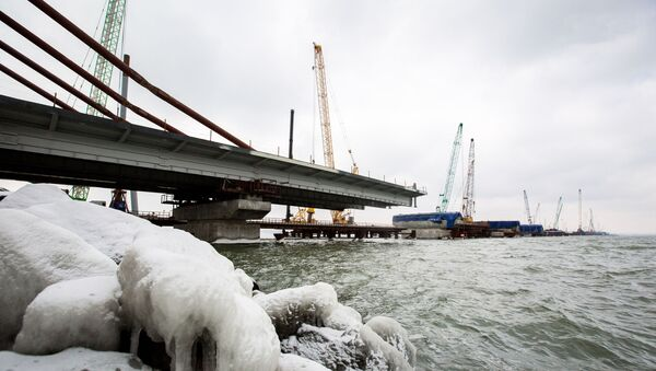 Budování mořských úseků mostu přes Kerčský průliv - Sputnik Česká republika