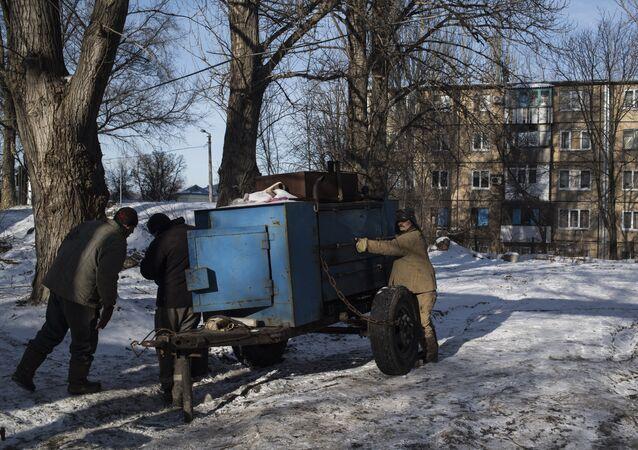 Oprava tepelného vedení v Doněcku