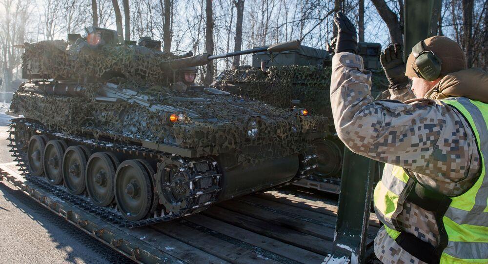 Bojové obrněné průzkumné vozidlo FV107 SCIMITAR NATO v Lotyšsku
