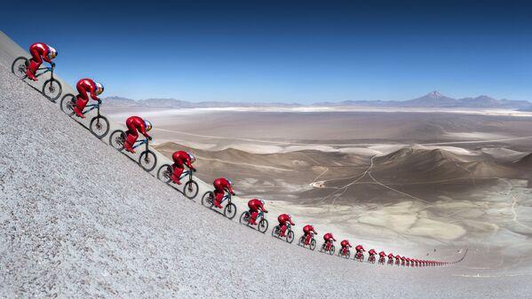 Rakouský cyklista Markus Stöckl na festivalu rychlosti Vmax 200 na poušti Atacama, Chile - Sputnik Česká republika