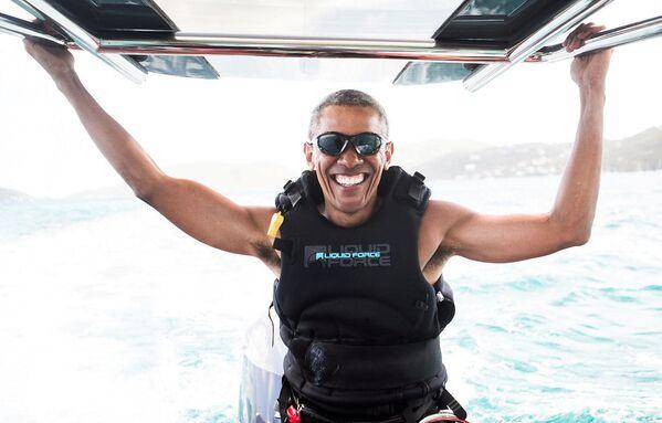 Exprezident USA Barack Obama se věnuje kitesurfingu - Sputnik Česká republika