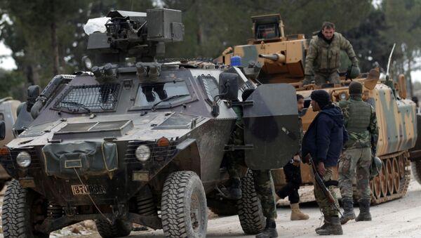 Turečtí vojáci a příslušníci SSA nedaleko Al-Bábu - Sputnik Česká republika