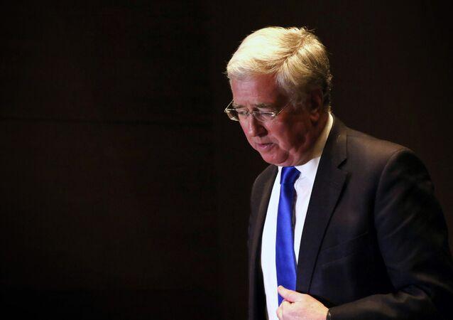Britský ministr obrany Michael Fallon