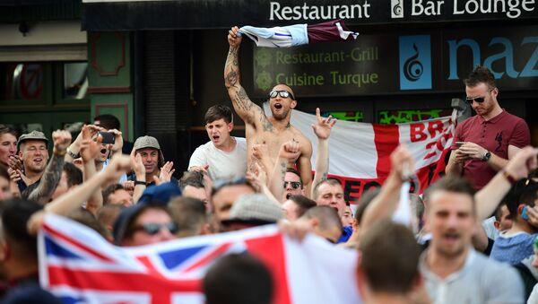 Britští fanoušci na ME 2016 ve Francii - Sputnik Česká republika