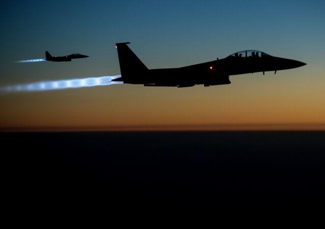 Americké stíhačky F-15.