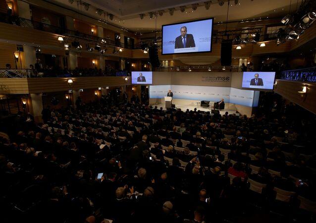 Sergej Lavrov na Mnichovské bezpečnostní konferenci