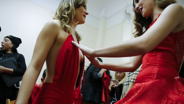 Modelky před zahájením defilé Edwing D'angelo na Týdnu módy v New Yorku - Sputnik Česká republika