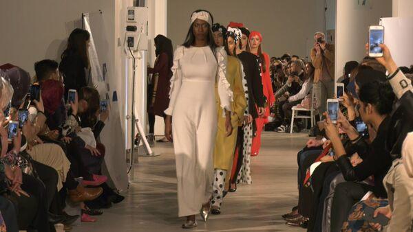 První módní show s ukázkou oblečení, které odpovídá požadavkům islámu - Sputnik Česká republika