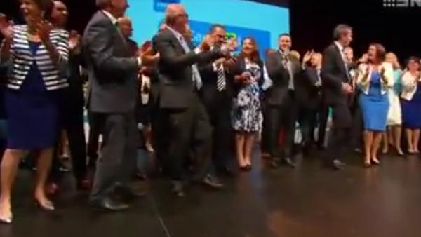 Média se vysmála neobratně tančícím australským politikům - Sputnik Česká republika