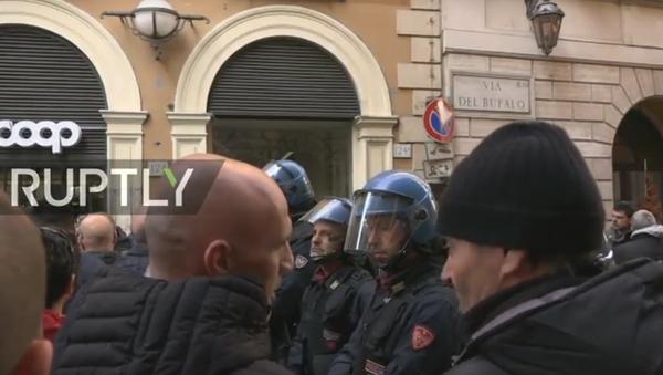 """Taxikáři provádějí mítink v Římě proti """"Uber doplňku k zákonu"""" - Sputnik Česká republika"""