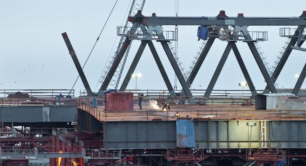 Stavba mostu přes Kerčský průliv
